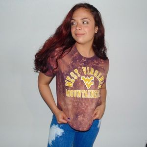 Tops - WVU Acid Wash Crop Top